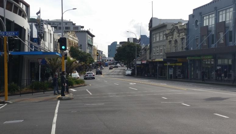24. Queen Street intersection