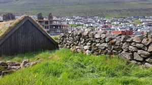 Documentation of 'Trace drawing' Inguz, Inguz, Eihwaz in Klaksvík, photograph by Martin Drury