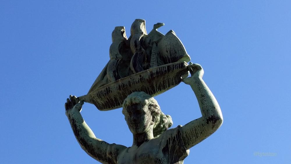 Statue on Drammen Walking Bridge