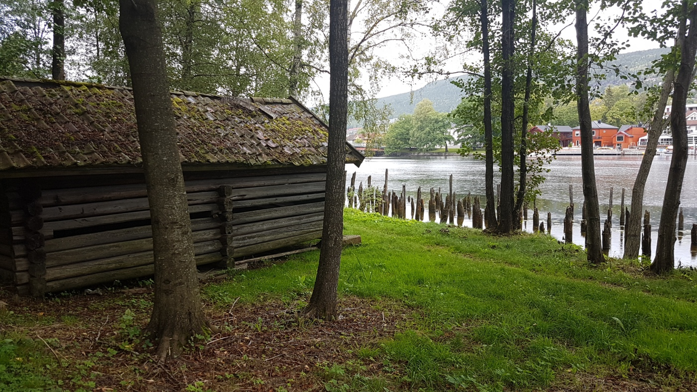 Old river house at Drammenselva © Tracey M Benson