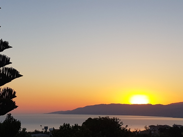Sunrise in Neo Chorio
